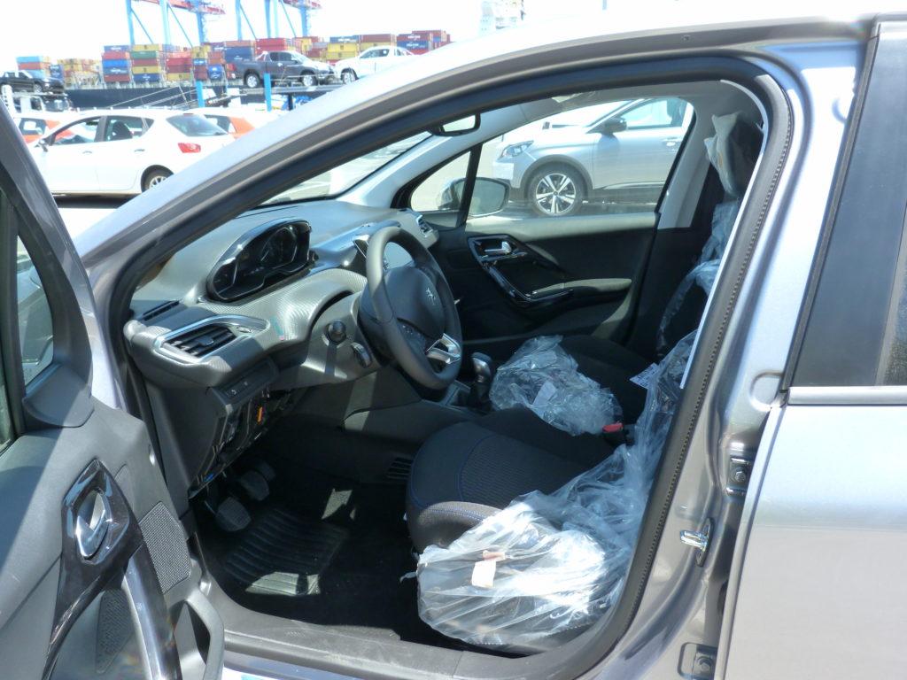 Peugeot 208 livrée à la Réunion par e-runc@rs