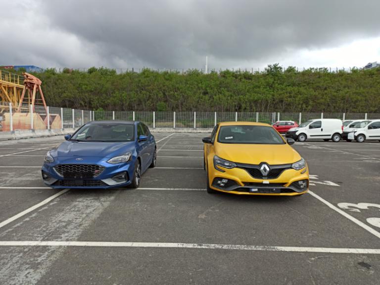 Renault Mégane RS et Ford Focus livrées à la Réunion au meilleur prix avec e-runcars