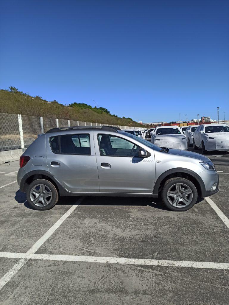 Dacia Sandero Réunion livrée par e-runc@rs