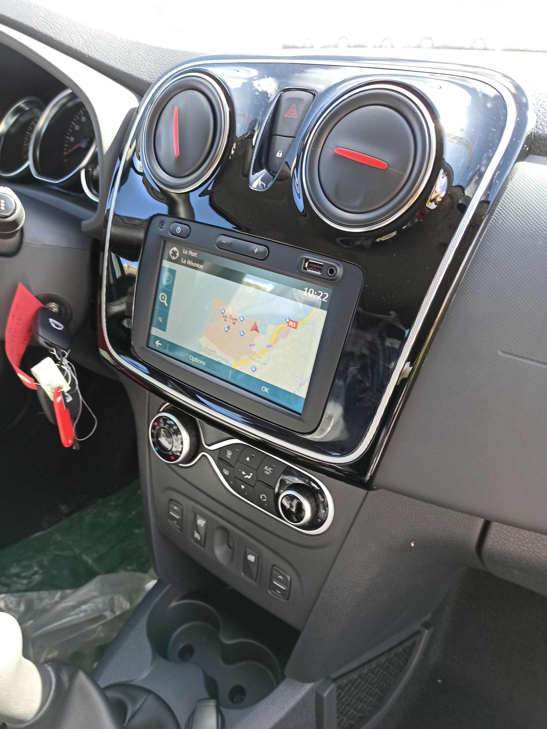 Dacia Sandero à la Réunion moins cher avec e-runcars